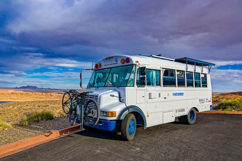 Vicaribus - 23' 1998 Thomas Vista 3600 - Tour and Guide - School Bus